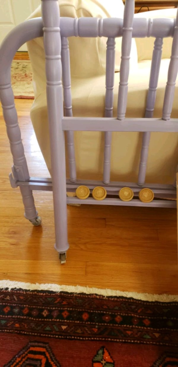 Twin metal bed frame -8 pieces.  No screws needed cf11e72f-a9c4-4a18-8bc1-db4010648bab