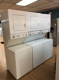 "Stacked washer and dryer unit 24"" Woodbridge, 22191"