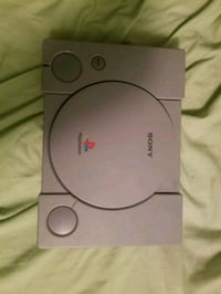 Minty ps1 with cords controller and 1 game Winnipeg, R2W 0J7