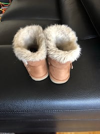 Toddler winter boot size 8