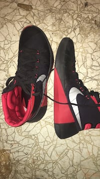 Pair of black-and-red nike sneakers West Des Moines, 50265
