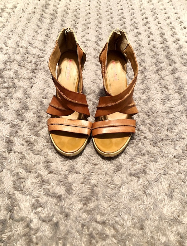 Luxury Rebel tan wedges paid $120 size 7 7d2661ff-8e1e-41ee-8338-14bc909d834a