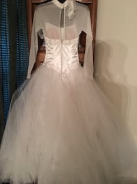 Women's white wedding gown worn once