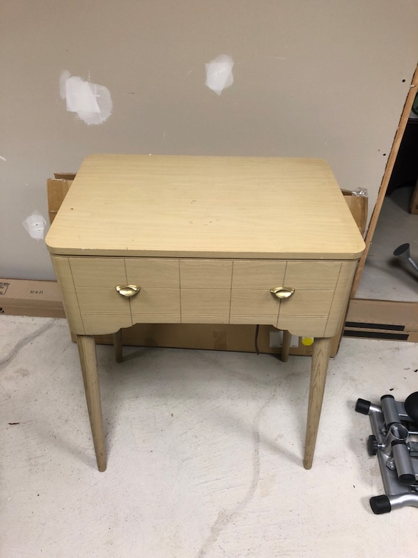 Used Sewing Machine Table.Singer Sewing Machine Table