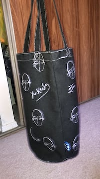 Tote bag  London, N6H 4R5