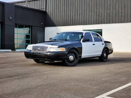 Ford-Crown Victoria-2009