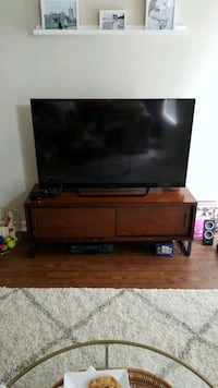 TV Stand with sliding doors Arlington, 22201