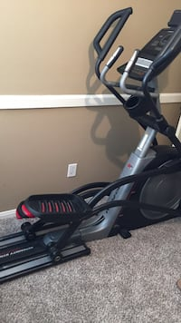 Pro Form Trainer 7.0 with intensity stride power ramp. Bluetooth capable. Elliptical. Katy, 77449