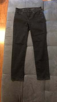 Black straight-cut jeans o/b/o Sunny Isles Beach, 33160