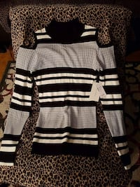 women's black, gray, and white striped cold-should