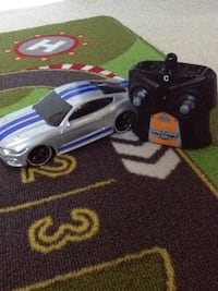 Silver mustang with blue stripe comes with controller Markham, L6E