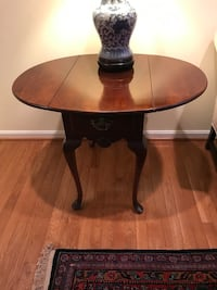 Queen Anne Drop leaf cherry end table w drawer Hooker-Wells Kensington, 20895