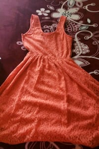 red and white floral sleeveless dress Bakersfield, 93309