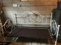 Heart shaped day bed Manalapan, 07726