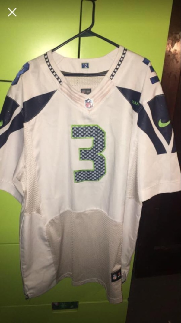 the best attitude a2214 b68b8 Russell Wilson Seattle Seahawks jersey Nike QB white away, gently used  condition