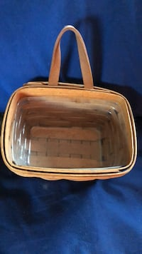 Longenberger small mail basket with plastic liner. Excellent condition Emmaus, 18049