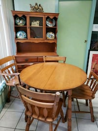 Maple Dining Set Hamilton, L8H 5X2