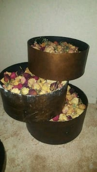 Dried roses and decorative bins Prince George, V2K 2G7