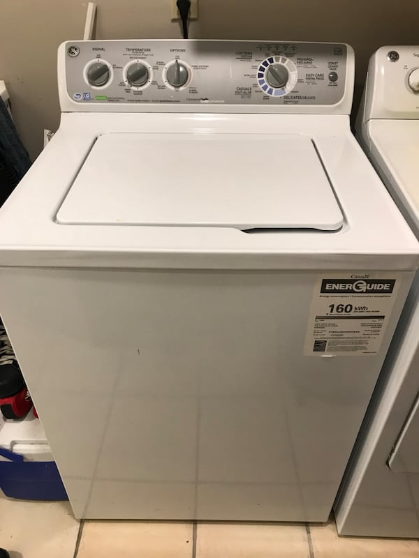 Washer and dryer 6600789c-5e9c-4e04-b7d9-63d9781ce921