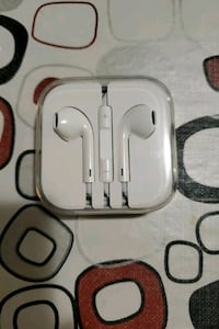 Apple headphone