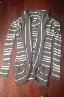 Dark Grey striped long sweater  pick up in laval serious buyers pls