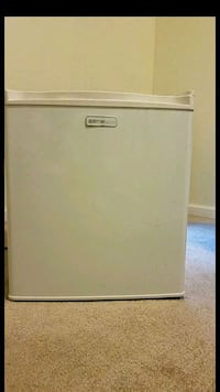 Emerson Mini Fridge For Sale 21207, 21207