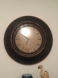 round black and white wall clock Stratford, N5A