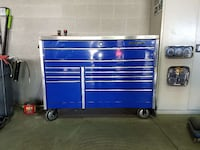 Snapon tool box with stainless top