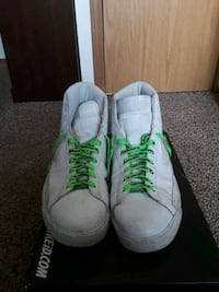 White Nike hightops Kennewick, 99336