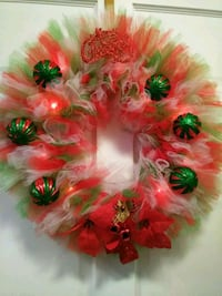 red and green Christmas wreaths 18 mi
