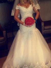 white off shoulder wedding dress Woolwich, N0B