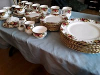 Royal Albert Old Country Roses Dinner Service for 8 Persons  Setting   Head of Chezzetcook, B0J 1N0