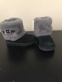 Girls Uggs size 11 Laval, H7L 1K4