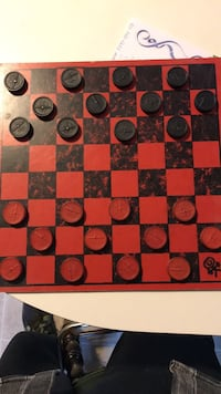 Checkers board with wood pieces 1970's era Hanover, 17331