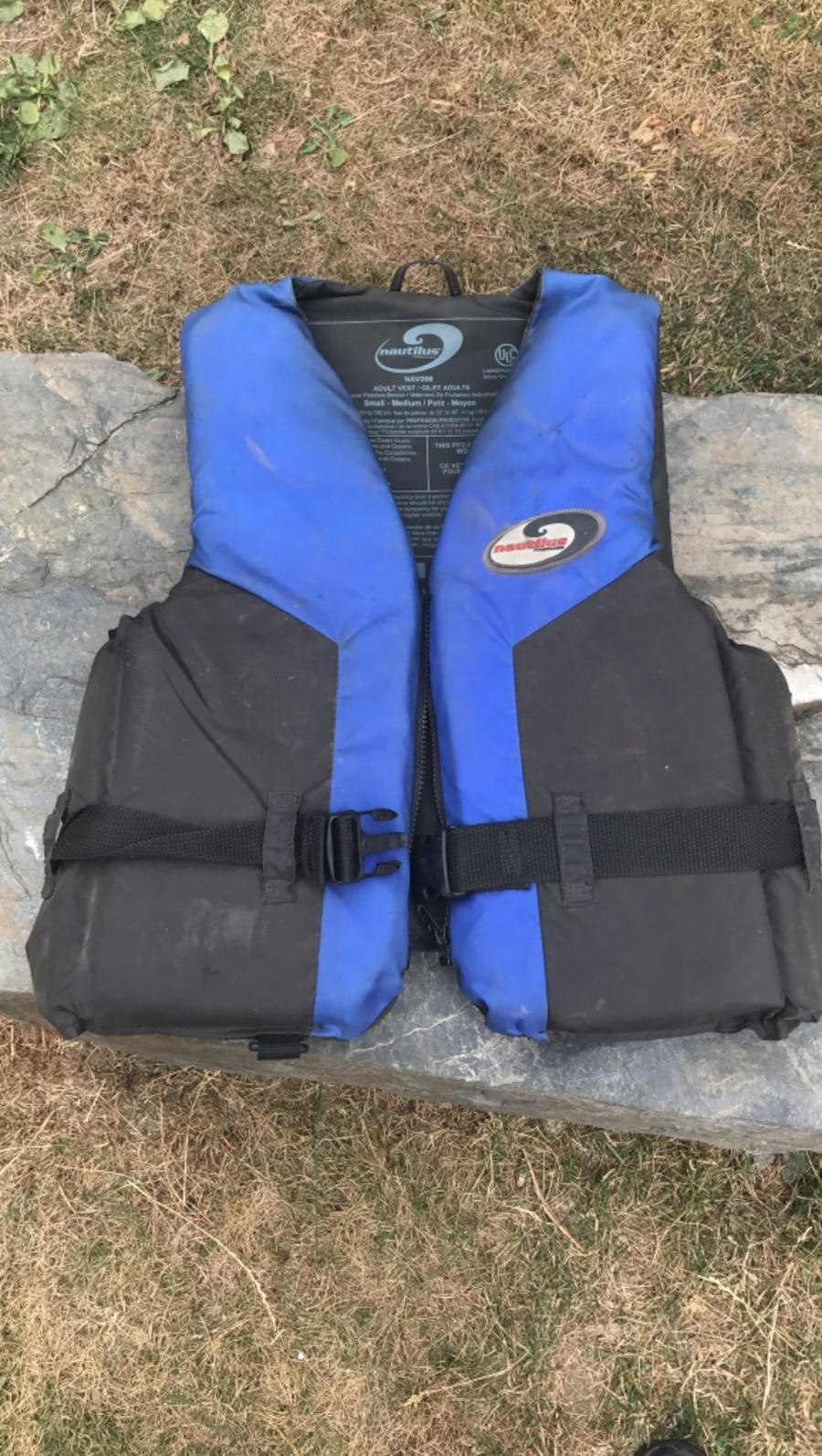 Adult small/ med life jacket