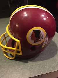 1985 Washington Redskins helmet Bluemont, 20135