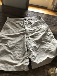 Men's 36 north face shorts  Frederick, 21704