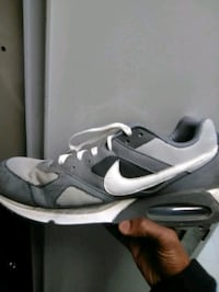 pair of gray Nike low-top sneakers Des Moines, 50314