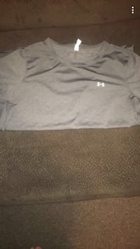 Women's underarmour Large