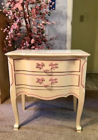 French Provincial Nightstand / Side table Palm Harbor, 34684