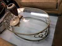 New oval coffee table on sale  Toronto, M9W 1P6