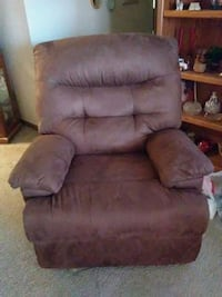brown suede recliner sofa chair Topeka, 66618