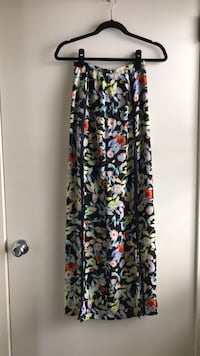 Maxi skirt by Volcom, size extra small (never worn) Frederick, 21701