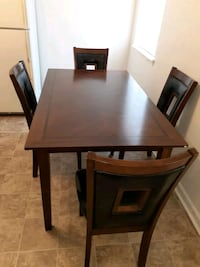 Kitchen table an 4 chairs