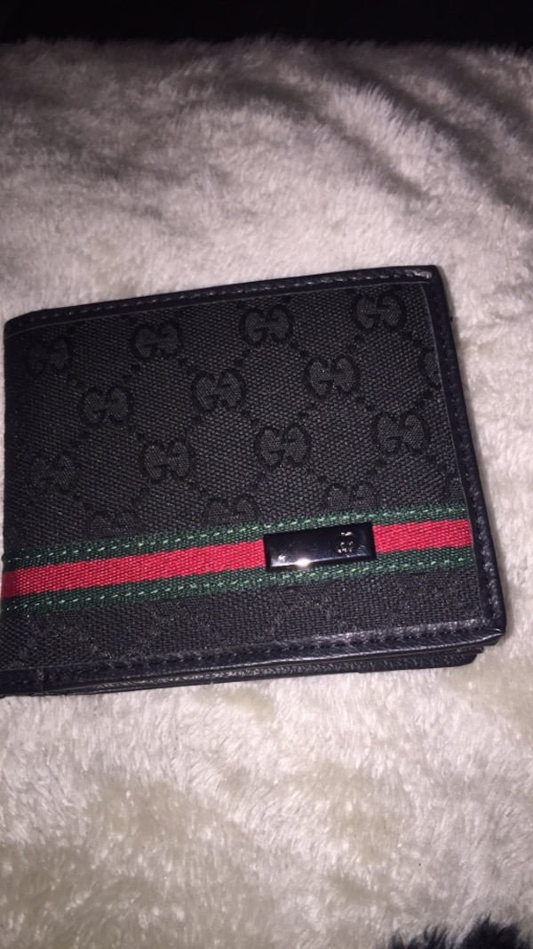 d48904730095 Used Authentic Gucci wallet with box for sale in Levittown - letgo