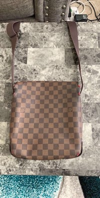LV bag  Woodbridge, 22193