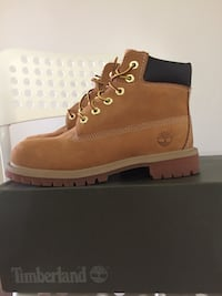 brown timberland  Vancouver, V5M