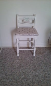 Child Size Wood Chair Romulus
