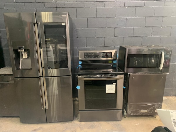Brand New Black Stainless Steel Mixed Kitchen Set