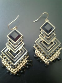 earrings Miami, 33172